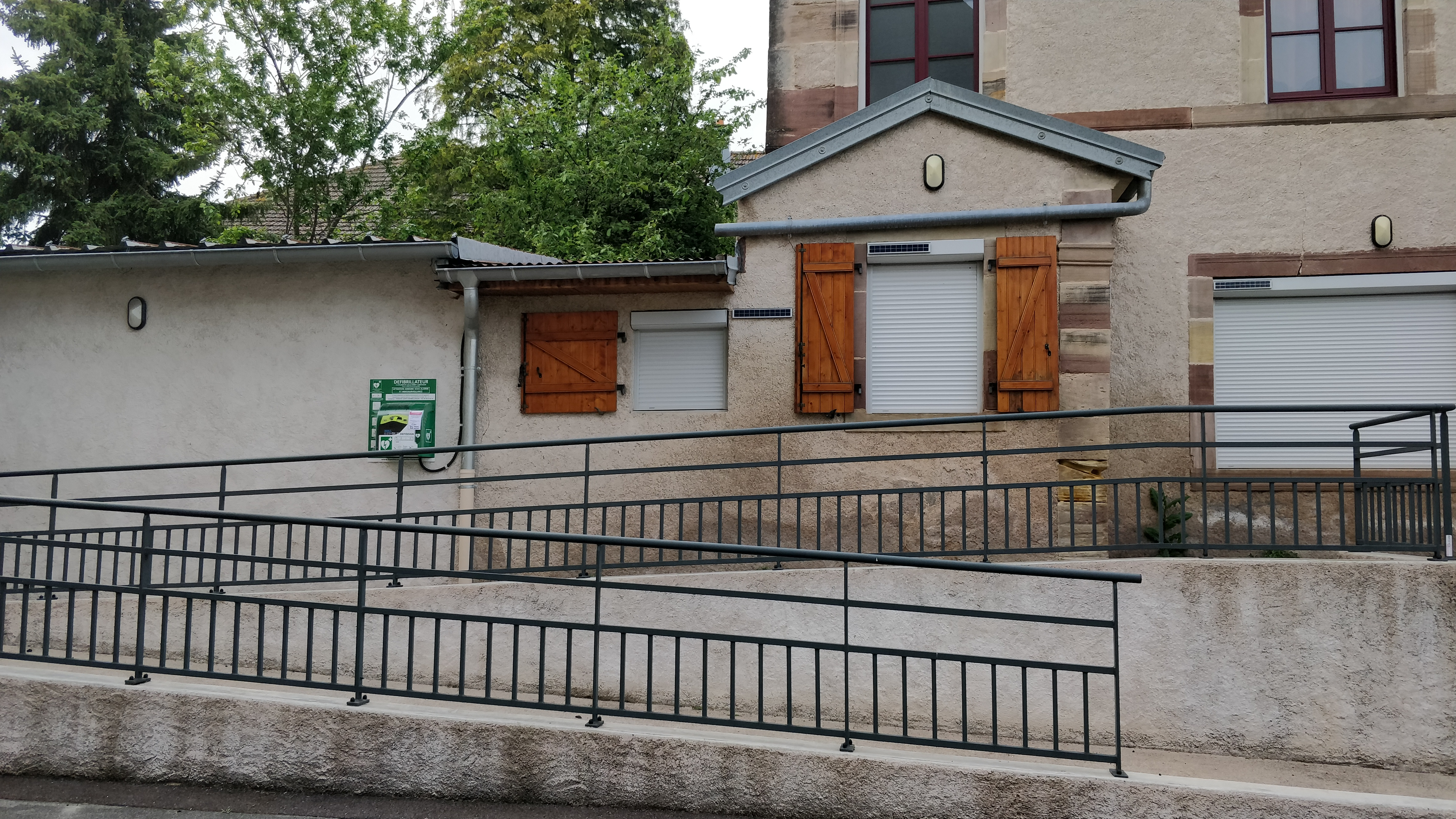 https://www.villers-les-luxeuil.com/projets/villers/files/images/2021_Mairie/Divers/Defib_mairie.jpg