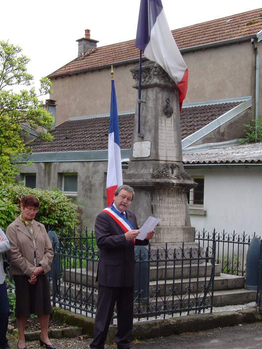 2009-la_commemoration_du_8_mai-2.jpg