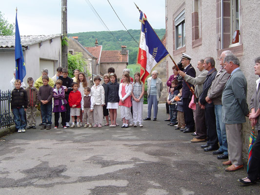 2009-la_commemoration_du_8_mai-4.jpg